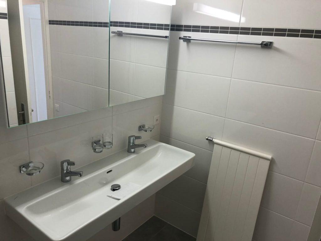 rénovation lavabo carrelage plan de travail