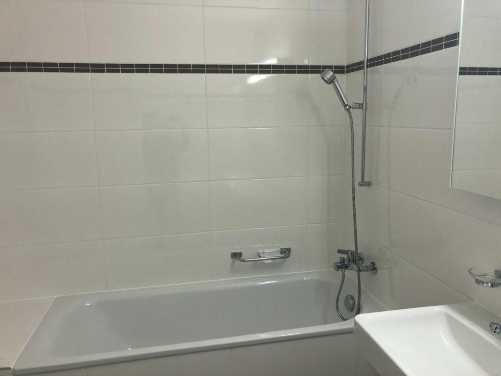 rénovation salle de bain carrelage baignoire